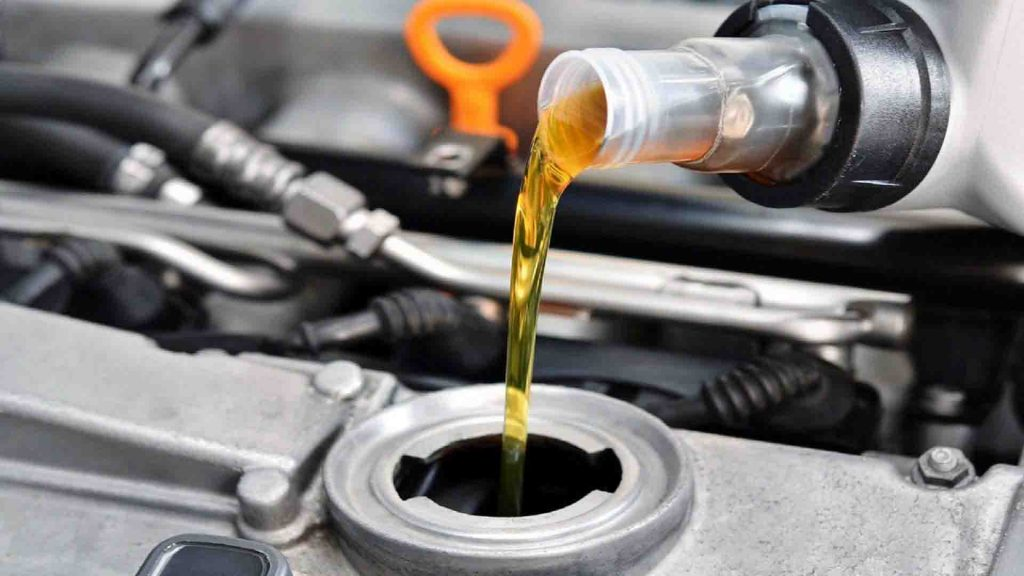 Brake Fluid, dana lubes, Engine oil, Hydraulic oil, Industrial lubricants, lubricant manufacturers, lubricant oil, lubricant suppliers, Marine lubricants,